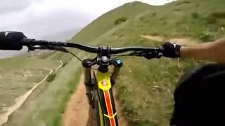 Mountainbike Riding Skills - How to downhill a bike, control of a Redbull